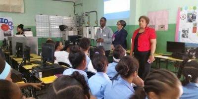Los trabajos educativos deben llegar a los padres a través de las juntas de vecinos.