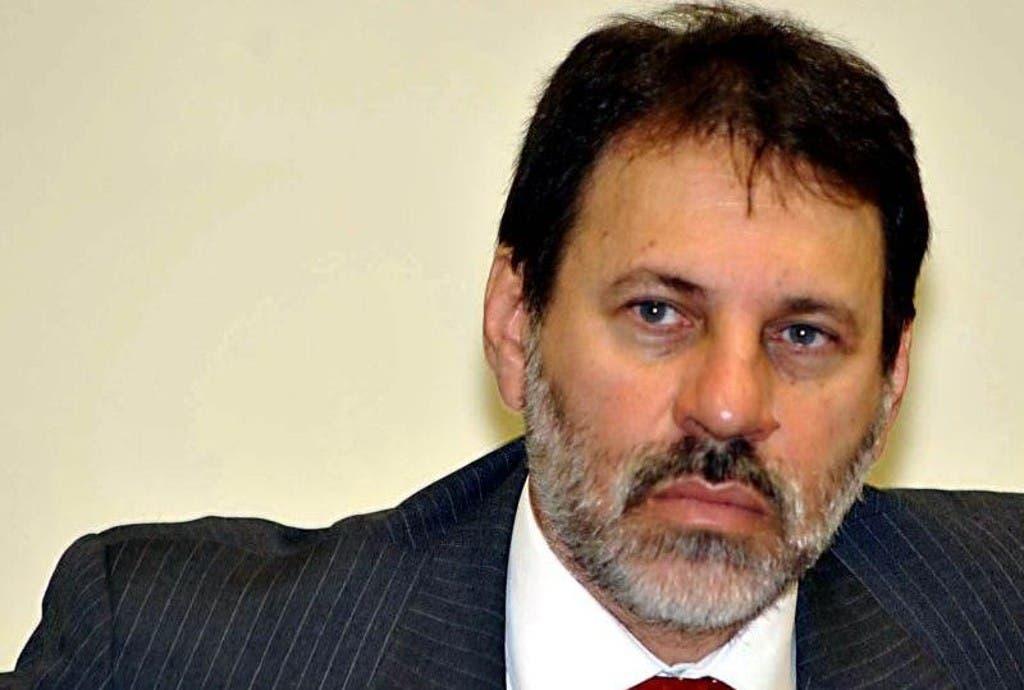 Delubio Soares.