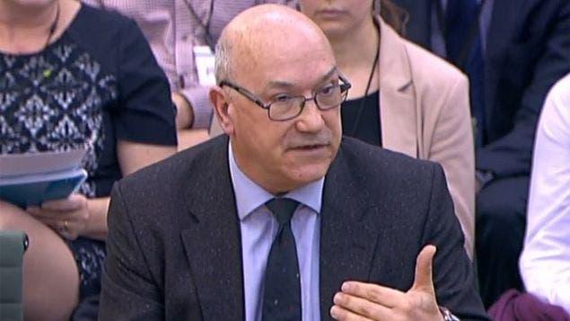El director general de Oxfam GB, Mark Goldring anunció su dimisión.