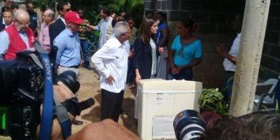 Doña Letizia habló con los comunitarios. Foto: Dominga Ramírez.