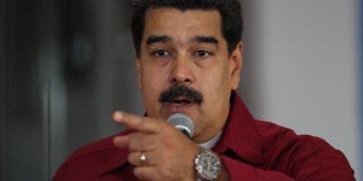 Maduro  declaró hoy persona no grata al encargado de negocios de Estados Unidos en Caracas, Todd Robinson,