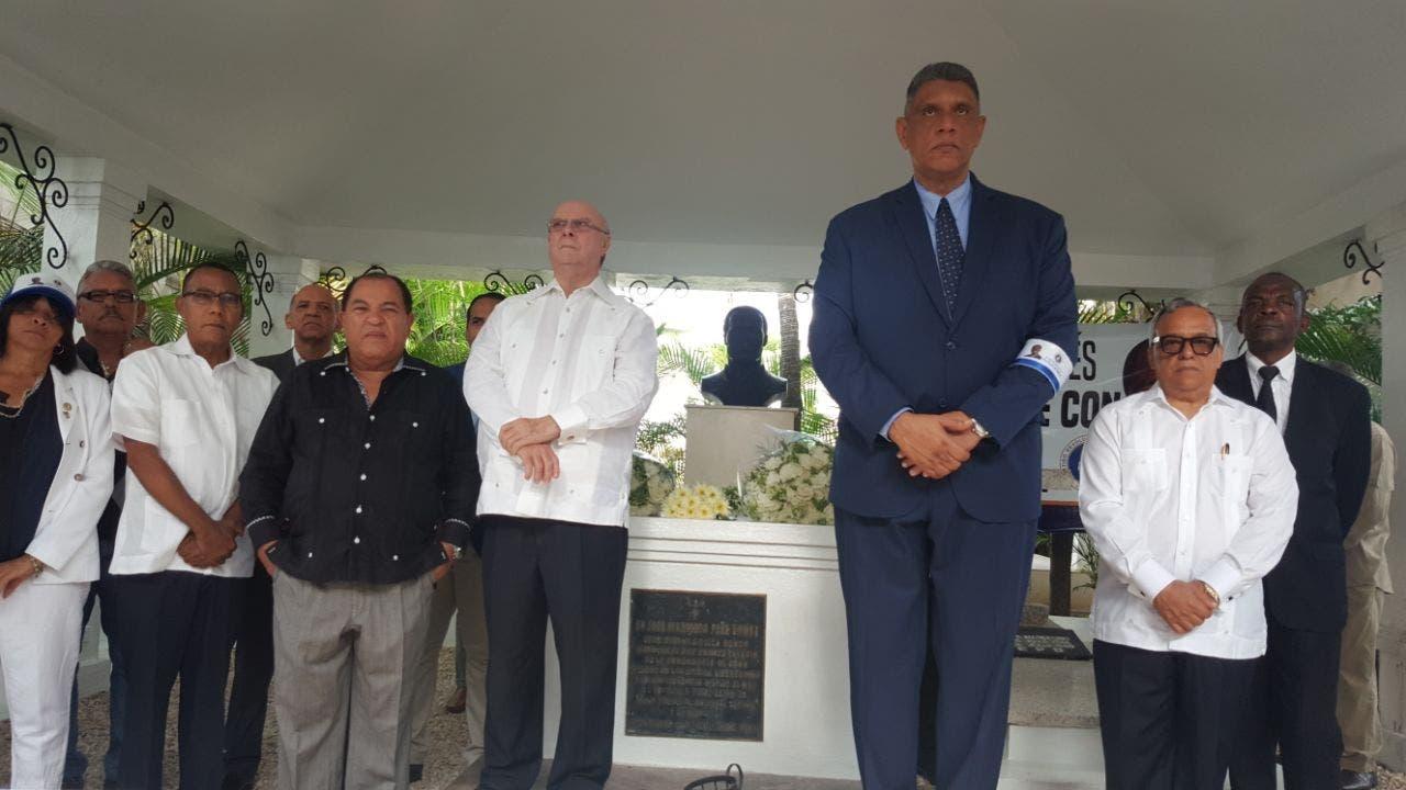 PRM resalta legado de Peña Gómez