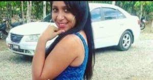 Yulissa Merdily Acosta Parra falleció mientras recibía atenciones médicas en un centro de salud.