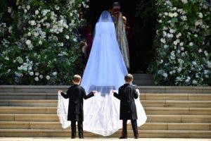 La actriz estadounidense Meghan Markle llega a la ceremonia para casarse con el príncipe Harry, duque de Sussex, en la Capilla de San Jorge, en el castillo de Windsor, en Windsor, el 19 de mayo de 2018. AFP