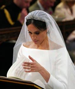 Meghan Markle durante su servicio de bodas en la Capilla de San Jorge en el Castillo de Windsor en Windsor. AP