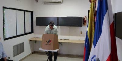 El embajador de Venezuela en República Dominicana Alí Uzcátegui dijo que el padrón aquí es de 657 personas, Foto: Prensa Latina.