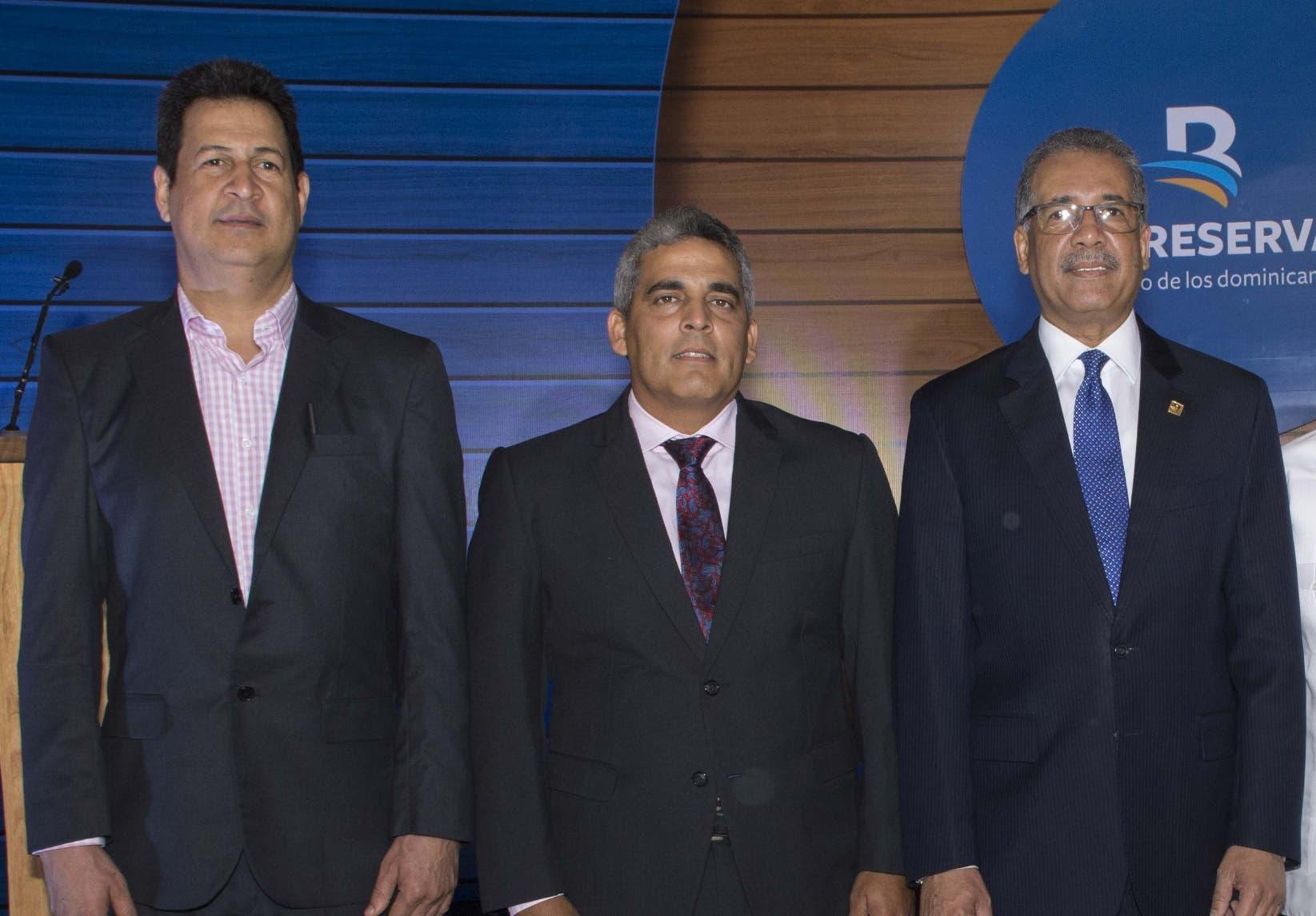 José Miranda, Eduard Camilo y Simón Lizardo Mézquita.