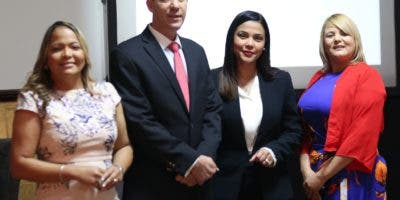 Clara Luz Pérez, Tomas Pimentel, Isleyda Peña y Dulce Fernández.