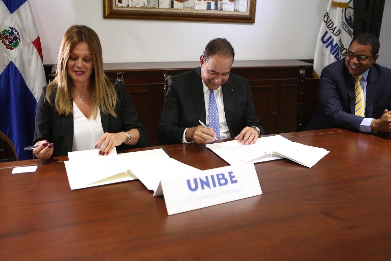 Banesco y Unibe firman acuerdo para fomentar emprendimiento de jóvenes