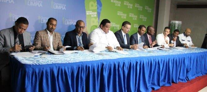 Los primeros municipios que abarcará este convenio son: Azua, Santiago, Moca, San Francisco de Macorís, Puerto Plata, Santo Domingo Este, Villa Altagracia y el distrito municipal Verón, de Higuey.