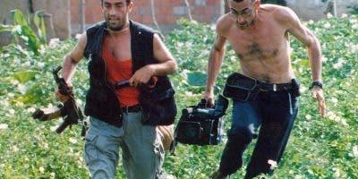 El documental, que llegará a los cines españoles en noviembre, también homenajea a grandes reporteros que murieron dando voz a las víctimas de la guerra, como José Couso, Miguel Gil o Julio Fuentes.