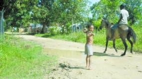 En las secciones y parajes de San Antonio de Guerra hacen  falta políticas públicas para mejorar las condiciones de vida de sus habitantes  .  ELIESEER TAPIA