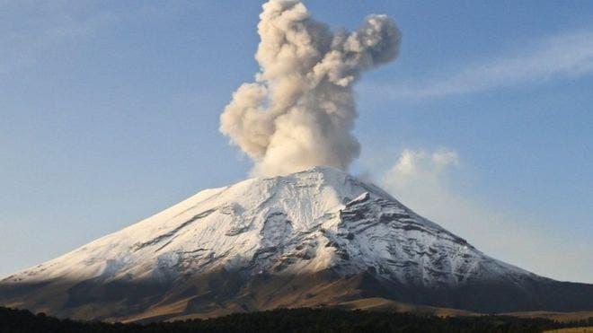 El Popocatépetl es uno de los volcanes más activos de México.