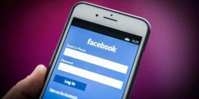Facebook conoce el nivel de la batería y otros detalles de los celulares de los usuarios.