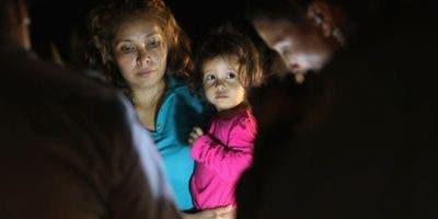 Desde mayo, unos 2.000 menores han sido separados de sus padres en la frontera sur de Estados Unidos.