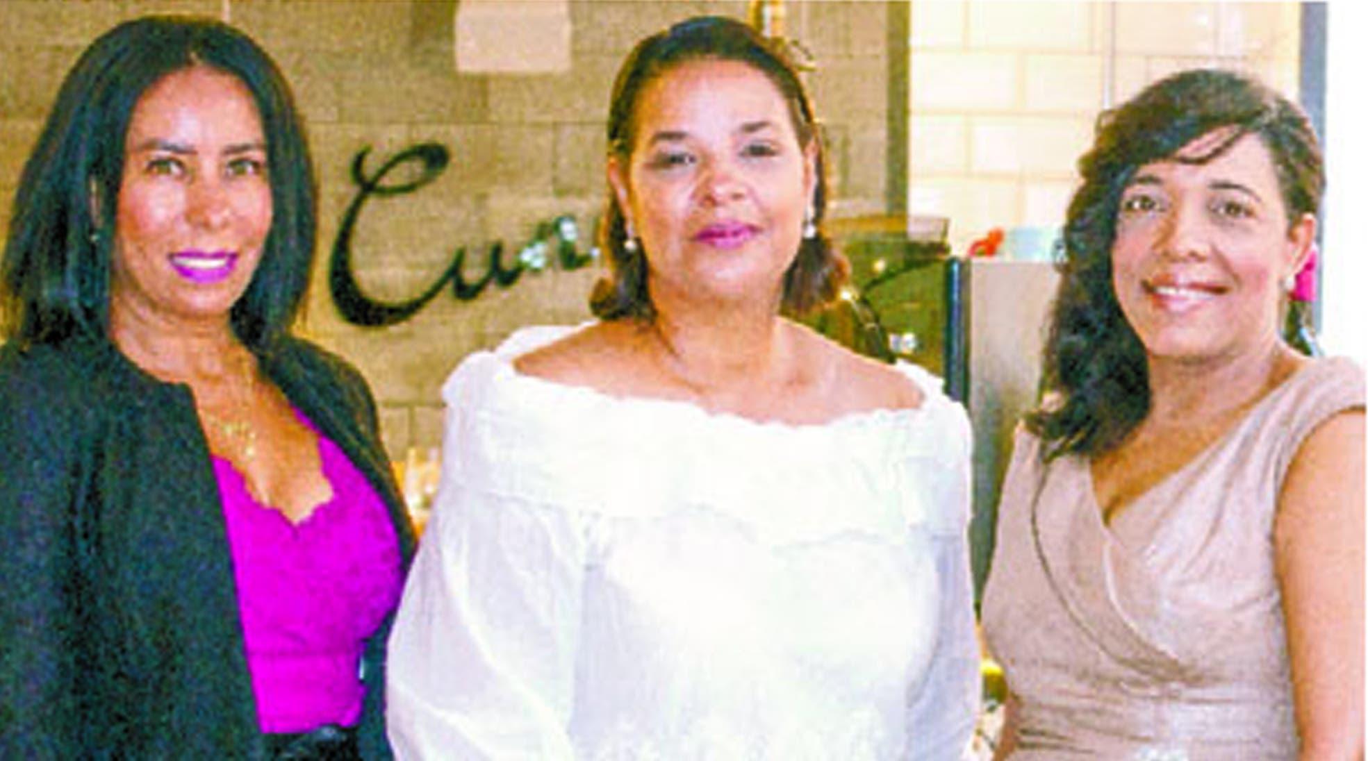 Grisel Sánchez, Yvette Marichal y Julissa Rumaldo.