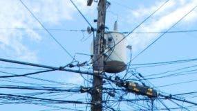 Los generadores aseguran que están dispuestas a producir más de energía de la que  les solicitan las distribuidoras.