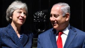 Theresa May junto al premier  israelí Benjamin Netanyahu.
