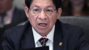 El gobierno está  representado por el canciller  del país.