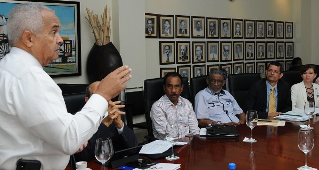 Osmar Benítez  habló en un encuentro con productores de pulpas.  FUENTE EXTERNA