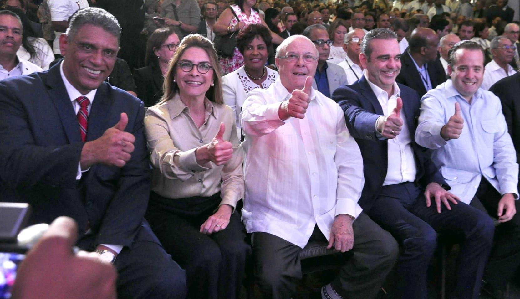 Jesús Vásquez, Carolina Mejía, Hipólito Mejía, Luis Abinader y José Ignacio Paliza encabezaron asamblea.  Pablo Matos