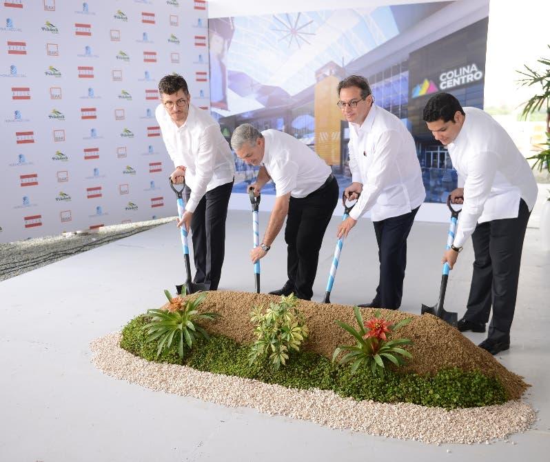 Mariano José Briceño Ketchum, Gonzalo Castillo, Raúl Rizek Rueda y  Joan Molina.