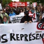 Las primeras protestas empiezan a caldear el ambiente.