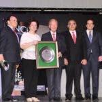 La familia Corripio junto a los miembros del Consejo Nacional de Provisiones.
