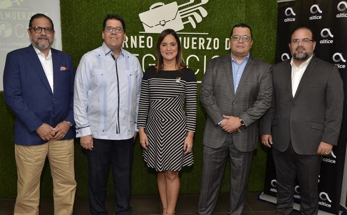 Alejandro Jovine, José Luis Ravelo, Laura Rojas, Rafael Fernández y Claudio Hirujo.