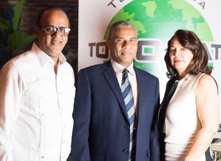 Andrés Rosario  Reyes,  José Fortuna y Olga Polanco.