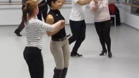 El baile tiene muchos beneficios para el cuerpo humano.
