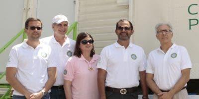Roberto Bonetti, José Luis Venta, Ana Bonetti, José  Miguel Bonetti y José Manuel Armenteros.