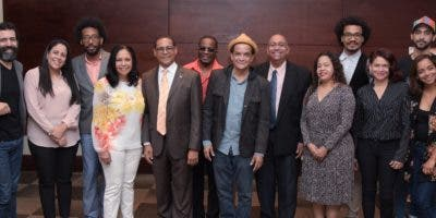 Parte de los actores, actrices y otros profesionales que asistieron a la primera reunión.