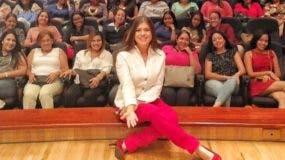 Claudia Simó luego de la conferencia celebrada en el Centro León.
