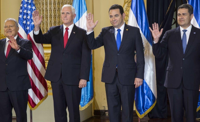 El vicepresidente Mike Pence terminó en Guatemala su gira a  la región.  AP