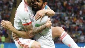 Diego Costa celebra en grande la anotación del gol que  dio el triunfo ayer a  España sobre Irán en el Mundial de Rusia .  AP
