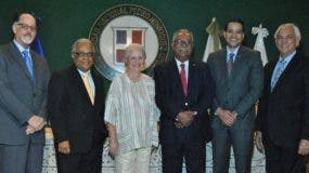 Eugenio Garrido Saviñón, Rafael Sánchez Cárdenas, Rosa Margarita Bonetti de Santana, Ernesto Reyna, Luis Dinzey  y Raúl de Moya Español.