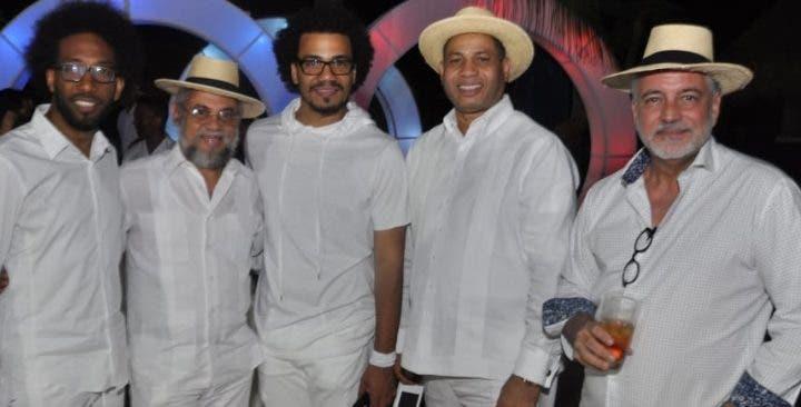 Johnnié Mercedes, Omar Ramírez, Jozze Antonio, Trajano Santana y Luis Arambilet.