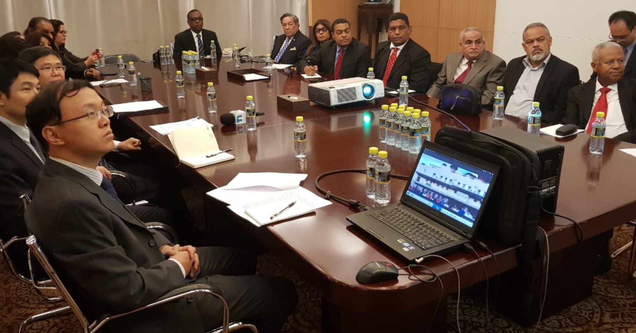 Funcionarios de China ofrecieron explicaciones sobre las relaciones con República Dominicana a un grupo de periodistas que visitan ese país.  fuente externa