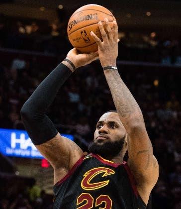 LeBron James, figura videojuego NBA2K.  Ap