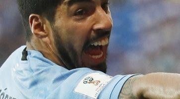 Luis Suárez,  esperanza de Uruguay para avanzar. AP
