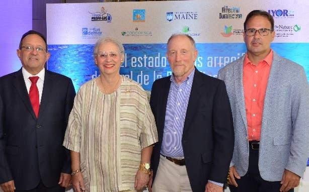 Angel Estévez, Rosa Margarita Bonetti, Robert Steneck y Rubén Torres.