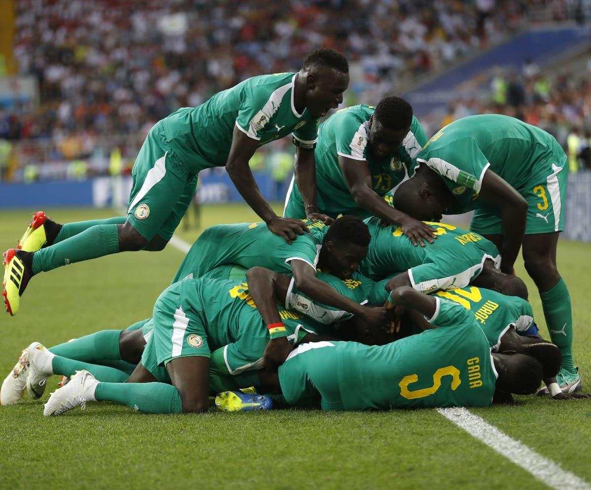 Senegal vence por  2-1 a   Polonia con  autogol en la Copa del Mundo