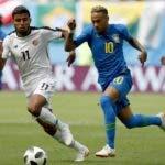 El estelar Neymar en acción durante uno de los partidos del de  Mundial de Rusia .  Ap