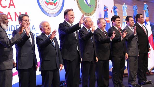 Foto oficial de jefes de Estado del SICA.