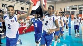 Selección de voleibol masculina  que actuará en la justa a partir de esta tarde en el COJPD.