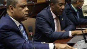 Los legisladores durante una sesión.  ARCHIVO