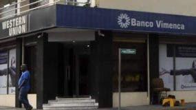Oficina principal del Banco Vimenca ubicada en Santiago.