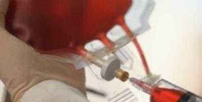 Son pocos los que se atreven a donar sangre en el país.