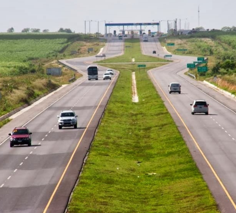 La autovía del Coral costó más de US$536  millones  y fue sobrevaluada en un  97 %.  Archivo